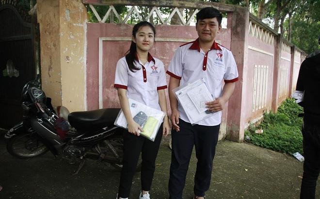 Nữ sinh bị cưa chân đỗ ĐH Luật TPHCM với số điểm khá cao12