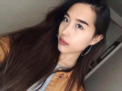 Bạn gái mới Huỳnh Anh hạnh phúc muốn khóc trong lần đầu gặp mặt