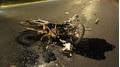 Chạy sai làn đường, thanh niên bị xe container tông nguy kịch