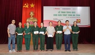 Tập đoàn Tân Hiệp Phát tặng quà cho các cựu thanh niên xung phong tại Nghệ An, Hà Tĩnh