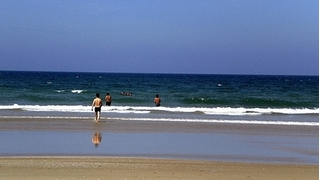 Quảng Nam: Hai thiếu niên tắm biển bị nước cuốn tử vong