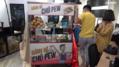 PewPew đi bán bánh mỳ mừng kênh Youtube được 2 triệu sub, Trâm Anh hẹn góp vốn cùng