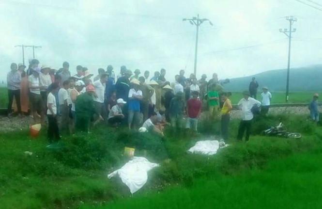 Thanh Hoá: Băng qua đường sắt không quan sát, 2 vợ chồng bị tàu tông tử vong