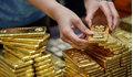 Giá vàng hôm nay 30/7 giảm mạnh do tác động từ giá vàng thế giới