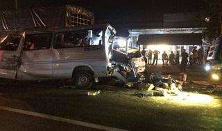 Tai nạn liên hoàn 4 xe ô tô ở Đồng Nai, 12 người thương vong
