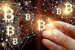 Giá Bitcoin hôm nay 1/8: Bất ngờ lao dốc
