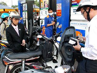 Giá xăng dầu hôm nay 1/8: Khởi đầu tháng mới đầy biến động