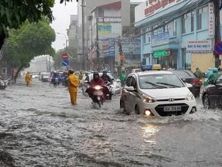 Thời tiết 1/8: Bắc Bộ mưa lớn, cảnh báo ngập lụt ở Hà Nội