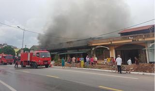 Quảng Ninh: 'Bà hỏa' ghé thăm, 5 quán karaoke liền kề bốc cháy dữ dội