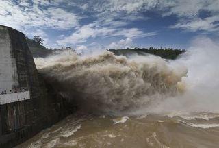 Thủy điện Hòa Bình, Sơn La đồng loạt xả lũ do mưa lớn kéo dài