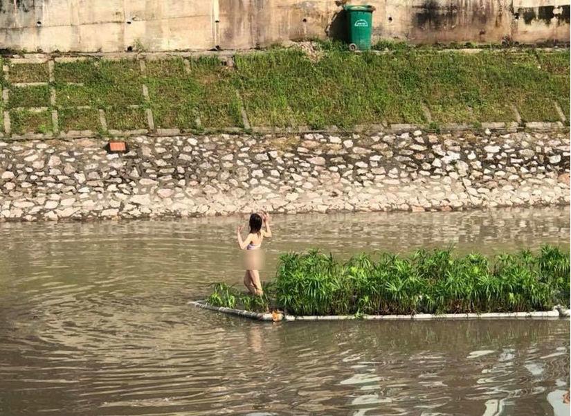 Xác định danh tính cô gái khỏa thân đứng giữa sông Tô Lịch