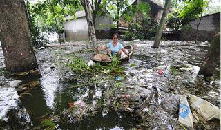 Hàng nghìn hộ dân ở Chương Mỹ sống trong 'biển' rác