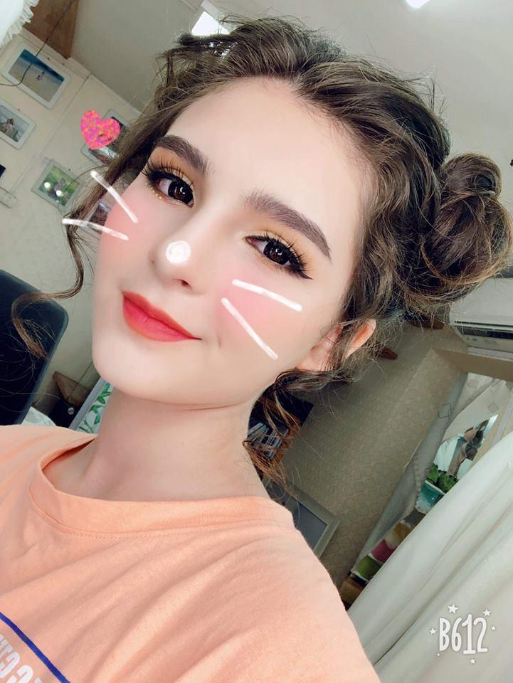 'Bông hồng lai' Việt – Nga 13 tuổi cao 1m7 xinh như búp bê
