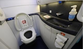 Kinh hoàng: Phát hiện thi thể thai nhi trong nhà vệ sinh máy bay