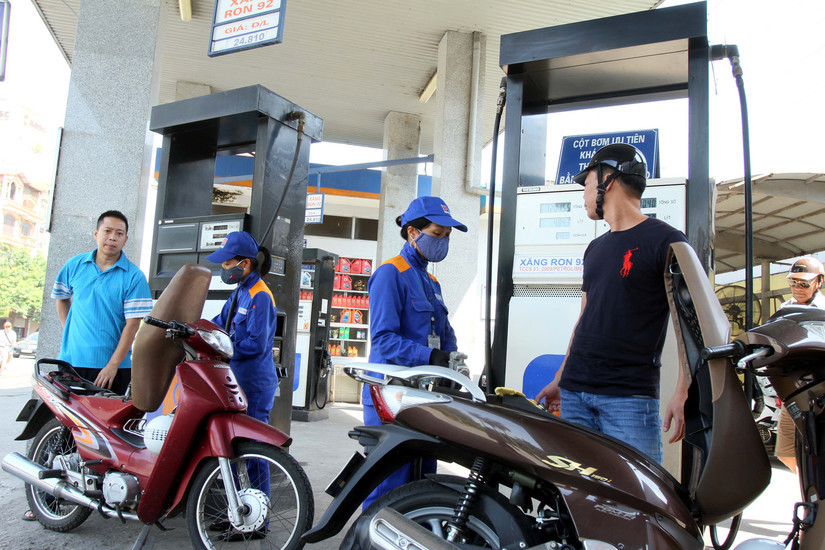 Giá xăng dầu hôm nay 11/8: Cầu yếu, thị trường xăng dầu biến động