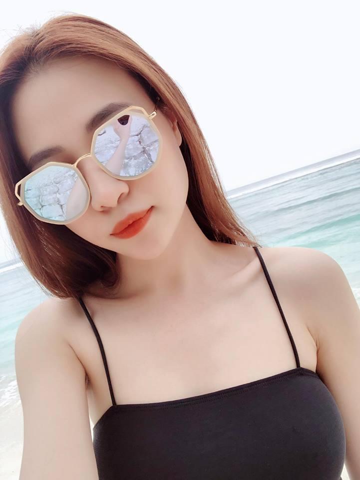 Bạn gái Cường Đô la, Đàm Thu Trang mặc bikini khoe dáng bỏng mắt