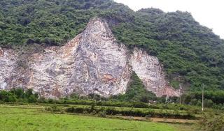 Quảng Bình: Leo lên núi khoan đá, một công nhân rơi xuống đất tử vong