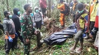 Rơi máy bay ở Indonesia, cậu bé 12 tuổi sống sót duy nhất