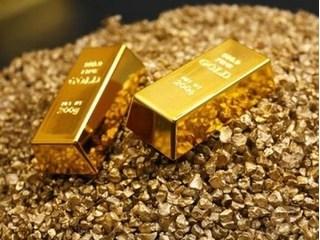 Giá vàng hôm nay 15/8: Vàng trượt dốc xuống đáy kỷ lục