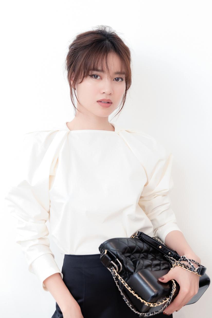 Ninh Dương Lan Ngọc mặc 55 bộ đồ, 100 phụ kiện trong Gái già lắm chiêu