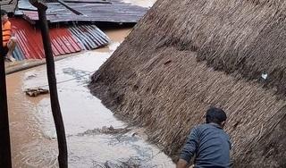 Chùm ảnh mưa lớn gây ngập lụt tại nhiều huyện miền núi Nghệ An