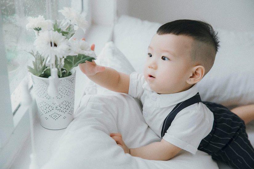 Hot girl dân tộc Thu Hương tung bộ ảnh cực đáng yêu của con trai11
