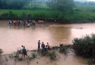 Ra sông đánh cá, bàng hoàng phát hiện thi thể đang phân hủy