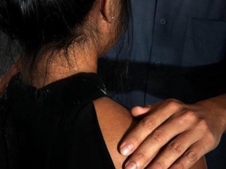 Thầy giáo khiếm thị dạy đàn hiếp dâm học trò 9 tuổi