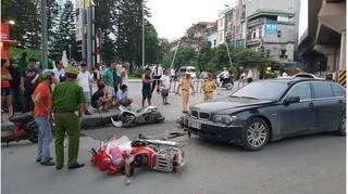 Nữ tài xế BMW gây tai nạn liên hoàn, 2 cháu nhỏ bị thương
