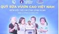 Quỹ sữa vươn cao Việt Nam và Vinamilk tiếp tục trao 64.000 ly sữa cho trẻ em Bình Định