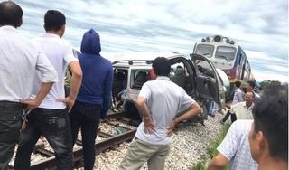 Tài xế xe 7 chỗ bị tàu hỏa tông ở Nghệ An tiên lượng xấu