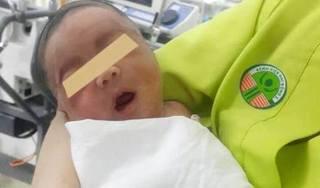 Nghẹt thở chạy đua 6 tiếng cứu sống bé sơ sinh bị ngạt bằng phương pháp làm lạnh