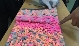 Bắt giữ 6kg thuốc lắc được cất giấu tinh vi trong kiện quà biếu