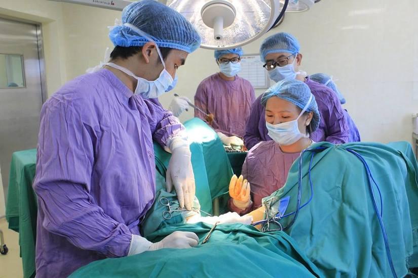 Cố gái không có âm đạo cầu cứu bác sĩ phẫu thuật tạo hình 2