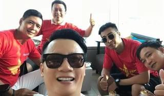 Hoàng Bách, Bình Minh bay sang Indonesia cổ vũ cho Olympic Việt Nam