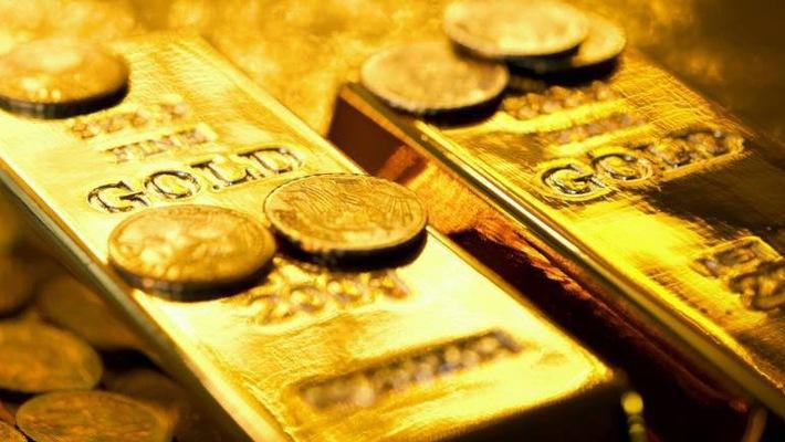 Giá vàng hôm nay 31/8: Vàng tiếp tục chìm đáy