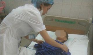 Lạng Sơn: Bố say ruợu chém con trai 7 tuổi nhập viện
