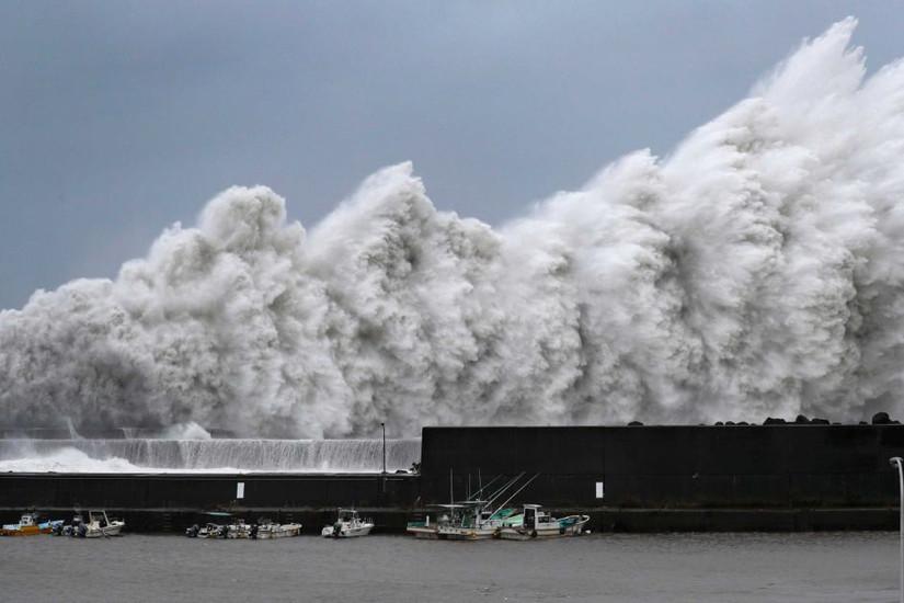 Clip: Siêu bão Jebi mang đến thảm họa chưa từng có cho Nhật Bản