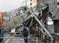Nhật Bản oằn mình chống bão, hàng trăm người thương vong