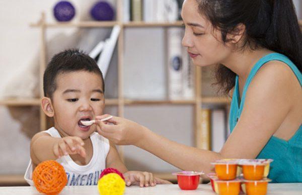Sai lầm chăm con của bố mẹ khiến trẻ trở nên ốm yếu
