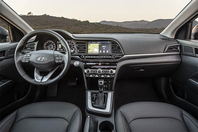 Hyundai Elantra 2019 đẹp lung linh ra mắt với giá từ 400 triệu3