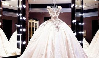 3 năm lấy trộm 81 chiếc váy cưới để có cảm giác 'đang tổ chức hôn lễ'
