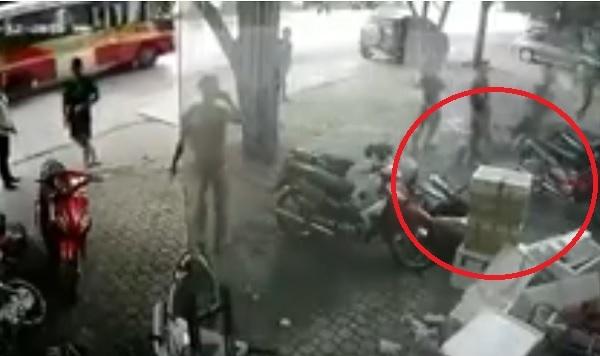 Người đàn ông rơi từ tầng 3 xuống đất và thoát chết đầy bất ngờ