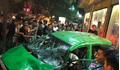 Clip: Tai nạn kinh hoàng, xe bán tải ủi bay taxi hàng chục mét
