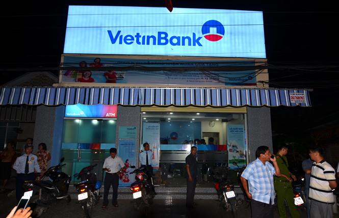 Nóng: Truy bắt kẻ cướp ngân hàng VietinBank ở Tiền Giang