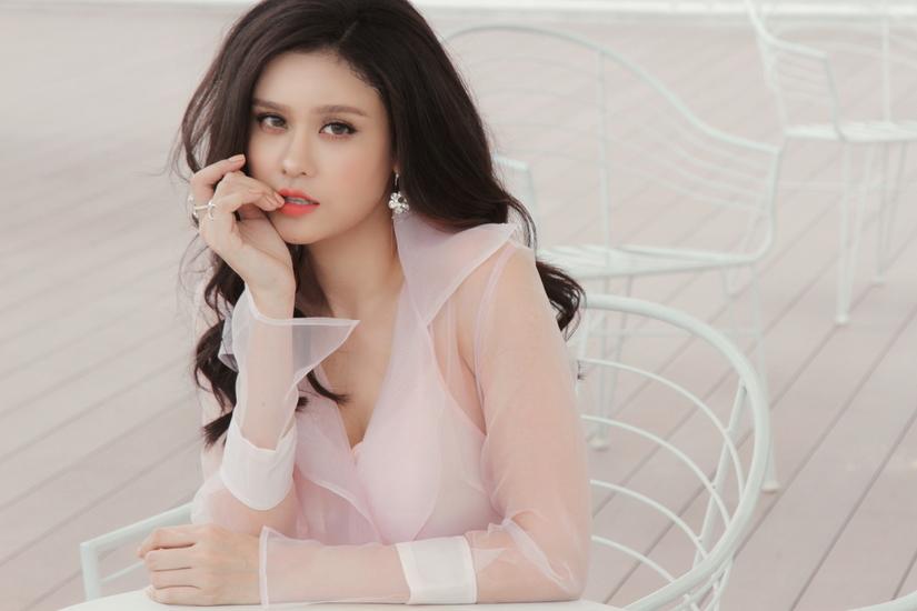 Hậu li hôn Tim, Trương Quỳnh Anh đẹp ngẩn ngơ