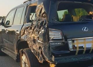 Xe sang Lexus LX570 bị xe tải tông hư hỏng, 1 CSGT bị thương nặng