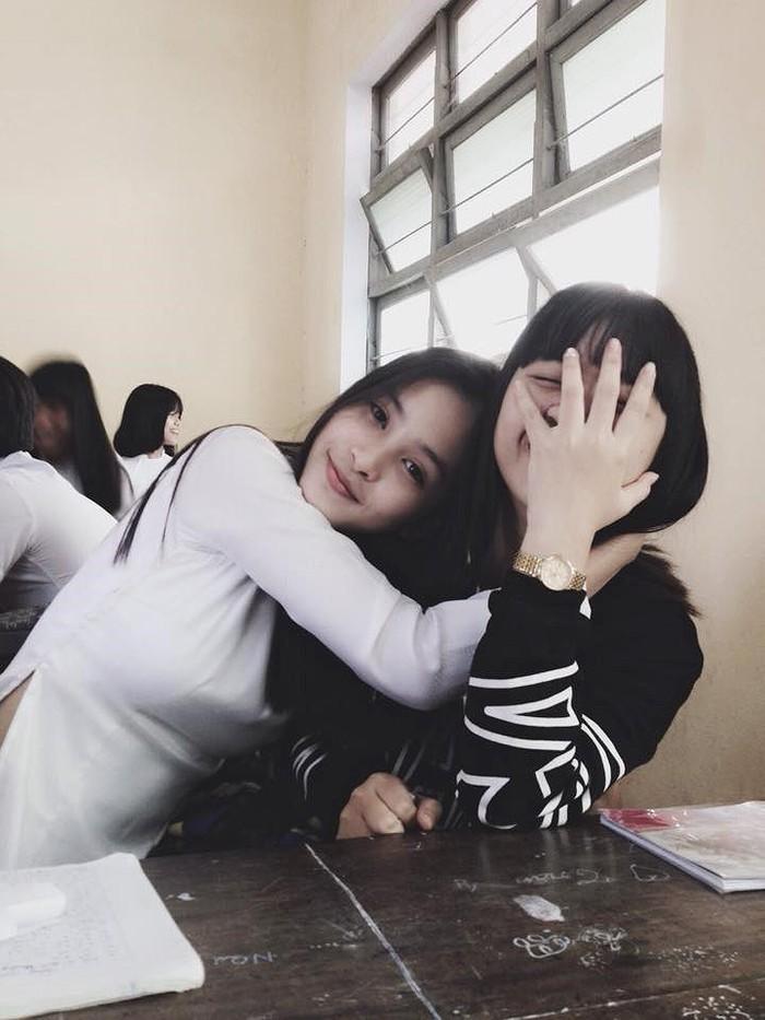 Ảnh tân Hoa hậu Tiểu Vy trong trang phục học sinh đốn tim dân mạng7