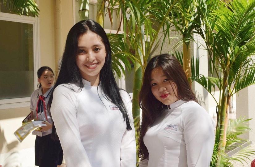 Ảnh tân Hoa hậu Tiểu Vy trong trang phục học sinh đốn tim dân mạng99
