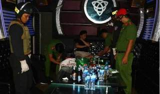 Hải Phòng: Hàng chục nam nữ đang chơi ma túy đá trong quán karaoke